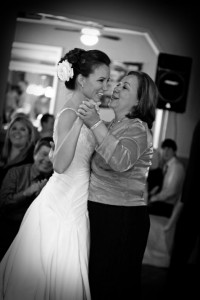 Mom has untraditional mother-daughter dance at daughter's wedding