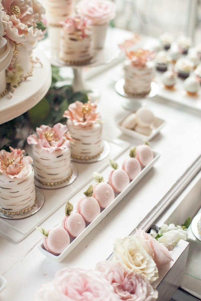 pink Macaorns and mini cakes with intricate details