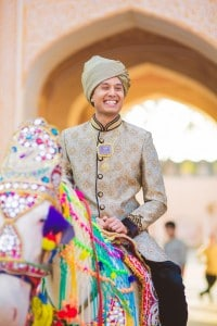 The groom arriving on a Horse