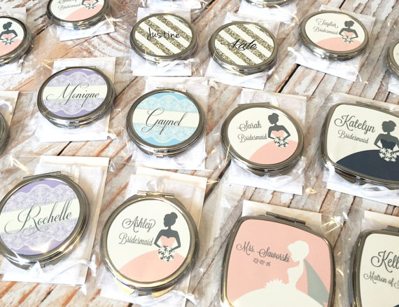 various styles of compact mirrors